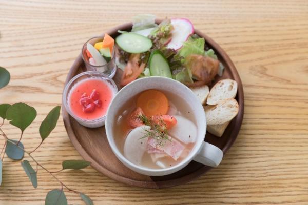 スーププレート Lunch ¥900 / Cafe ¥700