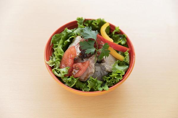 ハーブ薫る豚のコンフィ丼 Lunch set ¥1,100 / Food ¥990