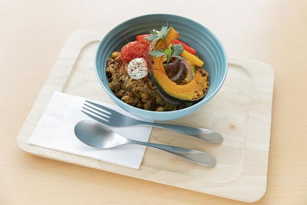 大豆とごぼうのキーマカレー Lunch set ¥1,100 / Food ¥990